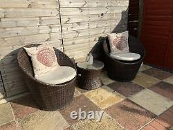 Egg Garden Table And Chair Set With Seat Cushions. Rattan Outdoor Furniture