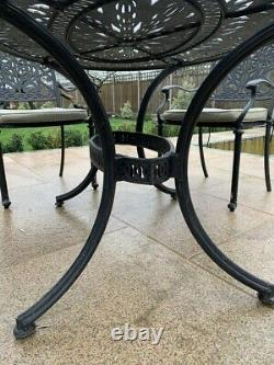 Elegant Ornate Metal Garden Dining Patio Table and Chair Set