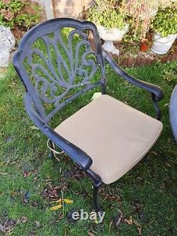 Hartman Amalfi 6 seater garden Oval table and chairs Excellent Condition