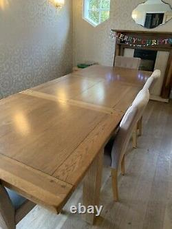 Large Solid Oak Extending Dining Table, 4 Chairs and Bench Seats 8 12