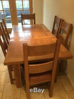 Oak dining table and 6 chairs very good condition