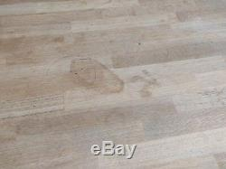 Solid Oak Dining Table and 6 Chairs no chipping on surface but has some staini